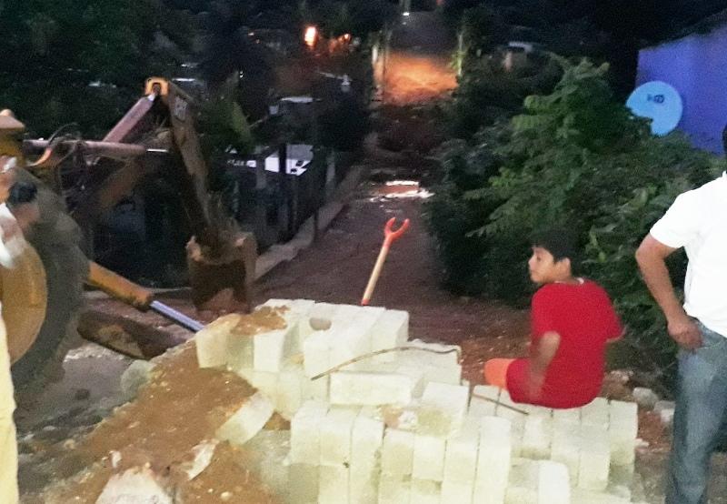 Arrancan trabajos de ampliaci n de drenaje en la colonia - Baneras de obra ...